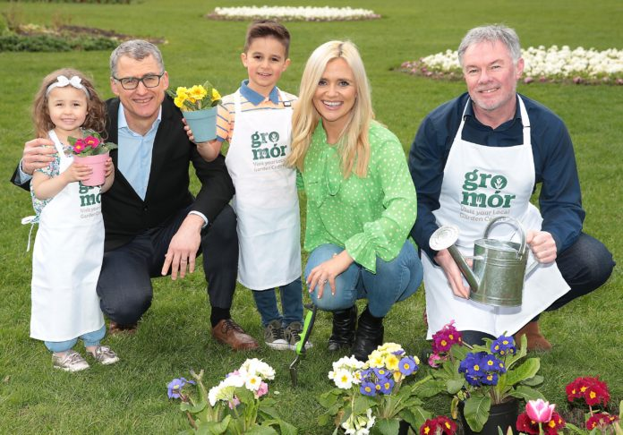 Amy Dempsey aged 4 and Gianluca Bux aged 5 with Michal Slawski (Bord Bia), Karen Koster and Super Garden Judge and face of Bloom Festival Gary Graham as they celebrate the arrival of Spring and the launch of GroMor 2019 - encouraging everyone to visit their local garden centres and nurseries, buy Irish plants and get growing! Mari O'Leary O'Leary PR marioleary@olearypr.ie 01 6789888